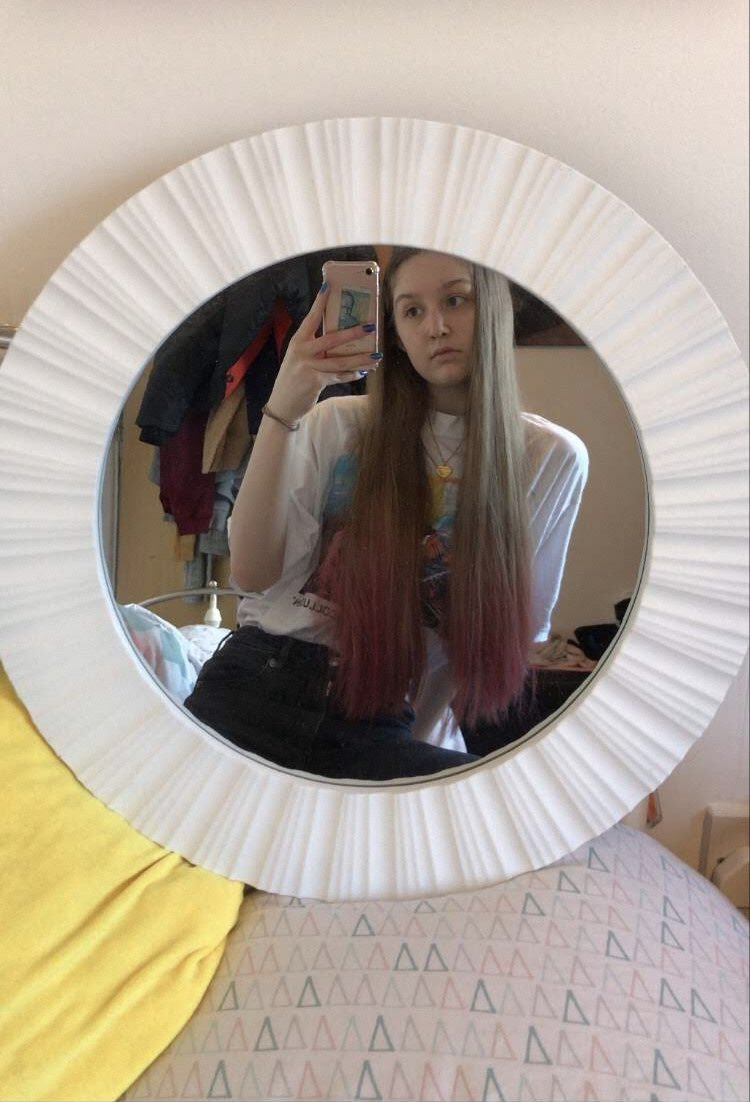 Throwback to my pink hair   Really considering getting this back, what do you guys think?   #pinkhair #pink #ombre #pinkombre #pinkdyepic.twitter.com/FIAUUfye2Z