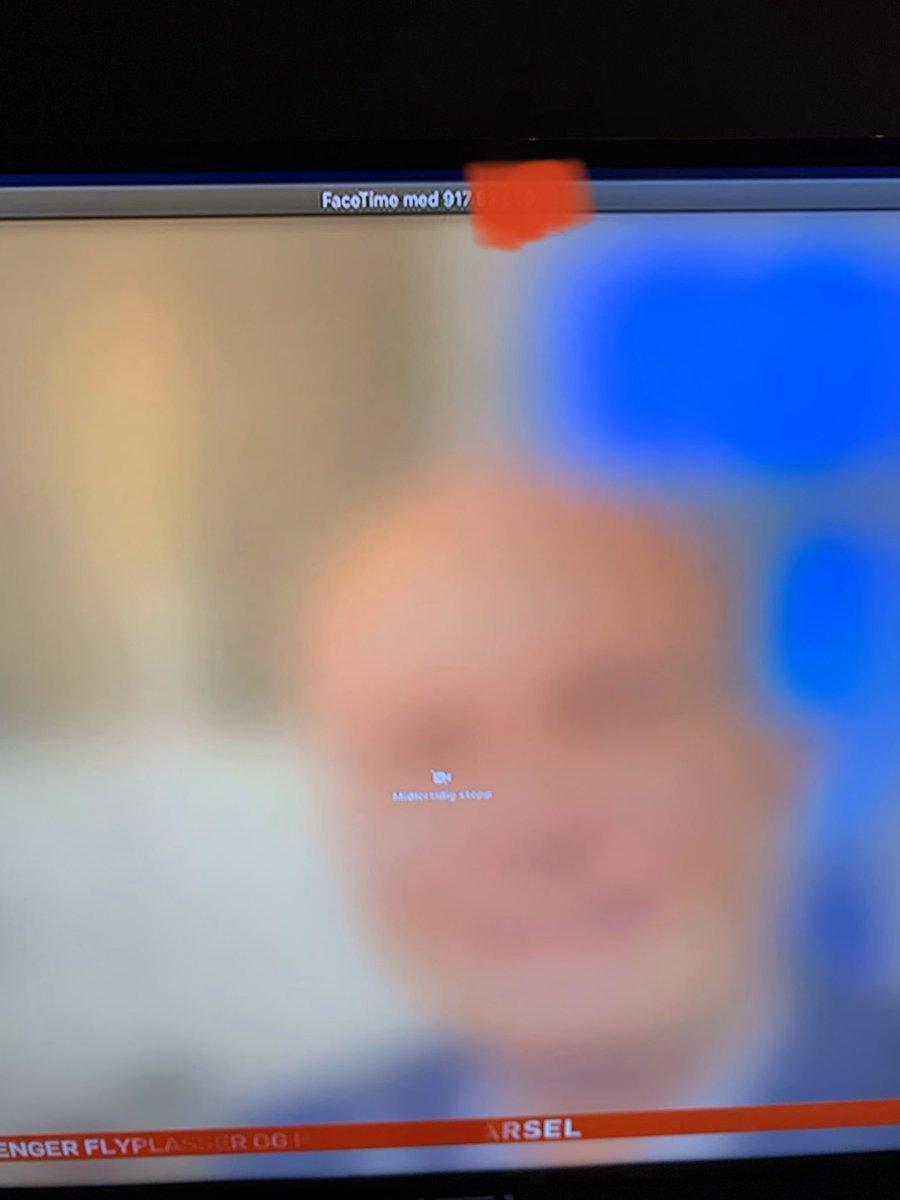 RT @oyvind_bs: TV2 legger ut Helsedirektørens tlf-nr på direkten. Linja går i stå pga folk ringer han. Auch https://t.co/3Bgt78JfoV