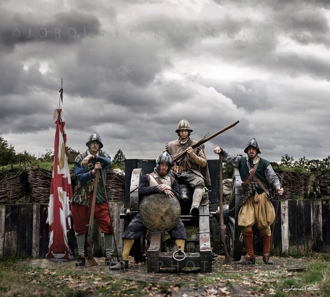 """La última de mis composiciones, soldados de los tercios españoles en Groenlo, Grolle , siglo XVII. Fotos tomadas en la recreación De Slag om Grolle, 2019. Podéis ver más fotos en mi próximo libro """"Los Tercios"""" de la editorial @DespertaFerro  https://t.co/1rRLWQmfNv https://t.co/6Wm9BkNbCr"""