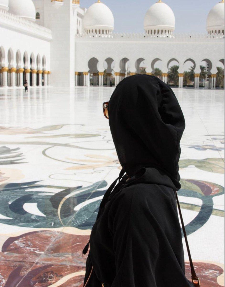 What a beauty .. sheikh zaid mosque.. #abudabi pic.twitter.com/wAxAuGUkHX