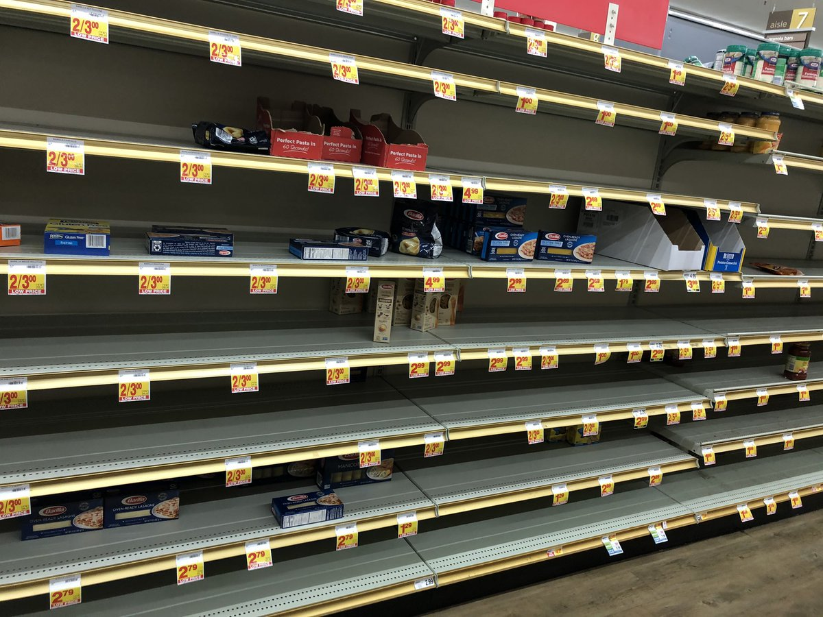 Pasta, bread and frozen vegetables aisles at stater bros! This is insane. It's just the flu. Relax. #covid19 #staterbros #pasta #bread #frozen #vegetables #getagrip #relex #itsjusttheflu #panicshopping #wtf https://t.co/zf5MjuhnsR
