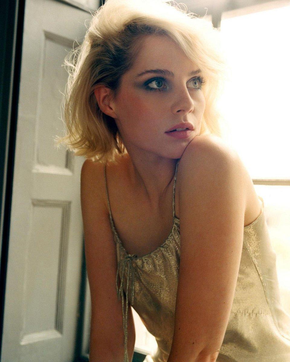 Lucy boynton sexy
