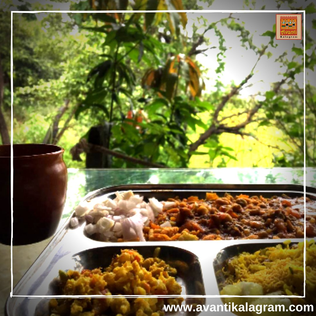 Who loves to eat Misal Pav more than eating Pizza or Sizzler? Tag that misal pav lover.. https://t.co/4ISbI1qqcq . . #avantikalagram #mulshi #pune #containerhotel #weekendgetway #naturelover #foodoftheday #indianfood #travelforfood #foodtraveller #misalpav #misal #taghim #tagher https://t.co/g2MSMKayQz