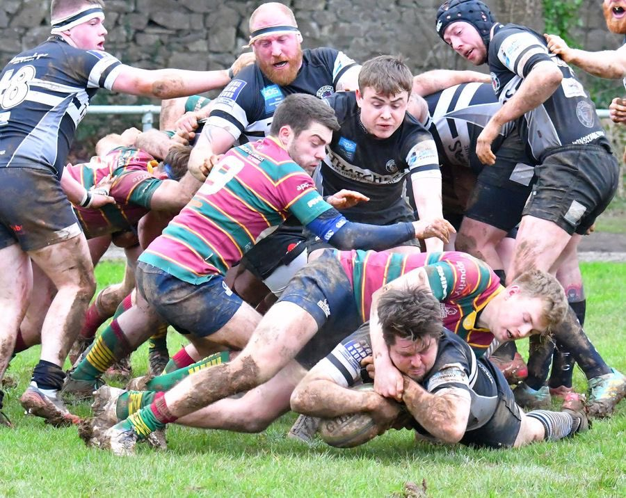 1st XV secured a much needed win on Saturday, beating Old Bristolians 34-30. ⚫️⚪️ Read the match report 👉 winscomberfc.co.uk/teams/146213/m…