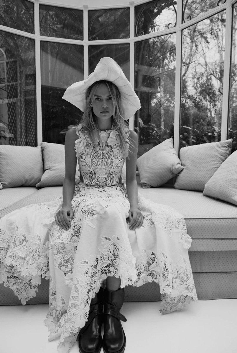 Natasha Poly (p: Claudia Knoepfel), Vogue Russia, April 2020. 4/4 https://t.co/lfMXamwuLJ