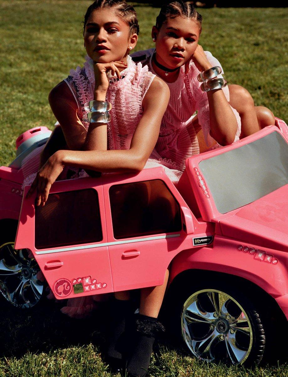 젠데이아 Zendaya & 스톰 리드 Storm Reid (p: Alasdair McLellan), Love Magazine #23, S/S 2020. <The Euphoric Sisters> 2/4 https://t.co/SIOvQEhxgG