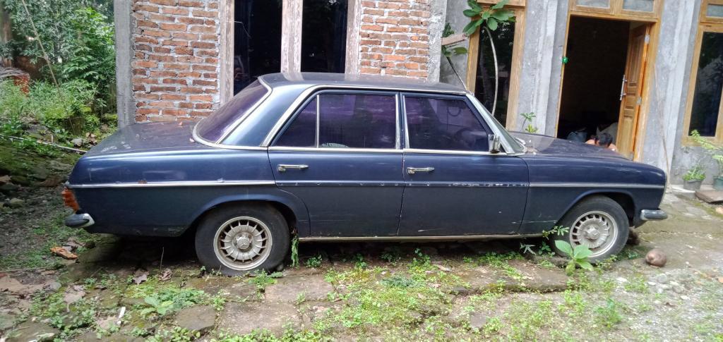 Dijual mobil seperti di gambar. Dom DIY Harga dan info lainnya silahkan hubungi +62 812-1562-0442 Monggo siap cepat dia dapat  #jualmobil