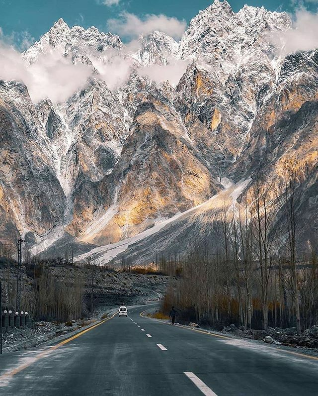Have you ever been to Passu in Gojal, Hunza to witness the majestic Passu cones from Karakoram Highway? 🤔 . Photo credits @aabidumar . Visit us @im_in_pakistan . Submit your photo using hashtag #iminpakistan . #Passu  #passucones  #Karakoram  #kkh #gilgitbaltistan  #Hunza  #…