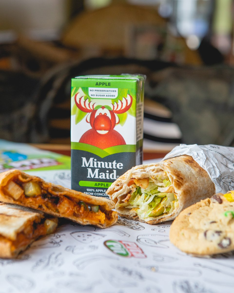 Off for lunch with the kids? Head over to #PitaPit and #RefuseToSettle for anything less than healthy!   Join us today!  Find your nearest Pita Pit location here: http://www.pitapit.ca/locations.  **Child must be present to order a kids meal.pic.twitter.com/jHqp52UdOC