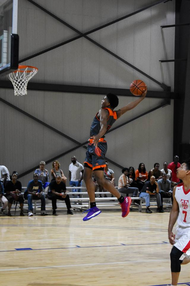 #LakePointHoops Alum Update  KD Johnson (@Swdkd10) • 2018 #LPTipOff standout/16U #BattleForGeorgia Most Outstanding Player • Signed with #UGA • Consensus Top 100 prospect in 2020 class • Helped @HargraveHoops reach @PrepNational Final Four this year https://t.co/C7Se4Z0vuK