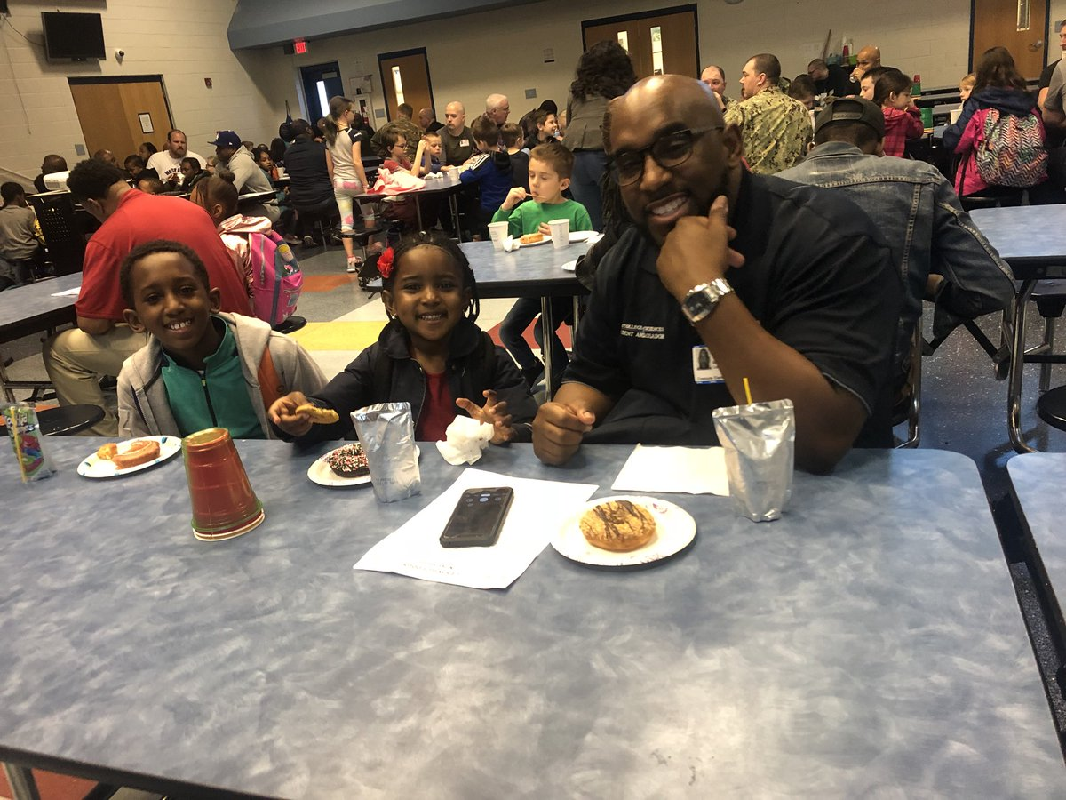 Donuts for Dads was amazing atCreekside. Lots of candidates for the Watch Dogs Program #Gr8g8rs #BuildingtheBestSPS
