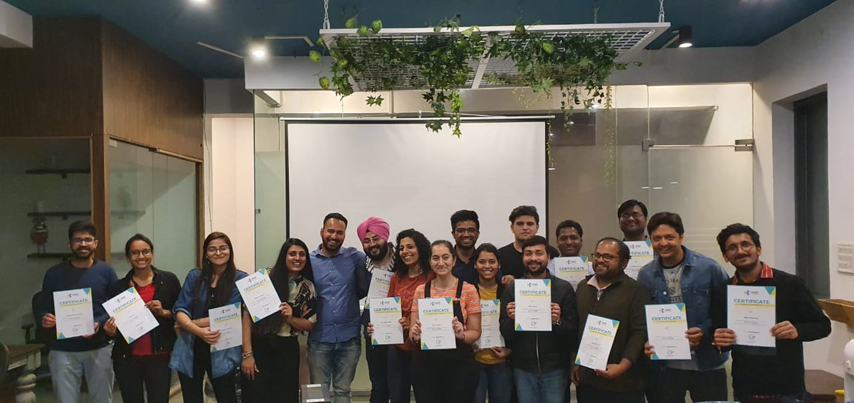 One more amazing batch is ready to start their career in UX/UI Design. @Design_Boat  #designtwitter #designers #uxdesigners #uxuidesigner pic.twitter.com/OD9ooh7pJM