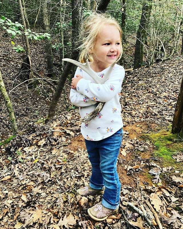 Painting nails in the morning, nap in the afternoon and shed hunting in the evening! #theadventuresoflenibow ❤️Painting nails in the morning, nap in the afternoon and shed hunting in the evening! #theadventuresoflenibow ❤️ https://t.co/SBa2SmFCfO