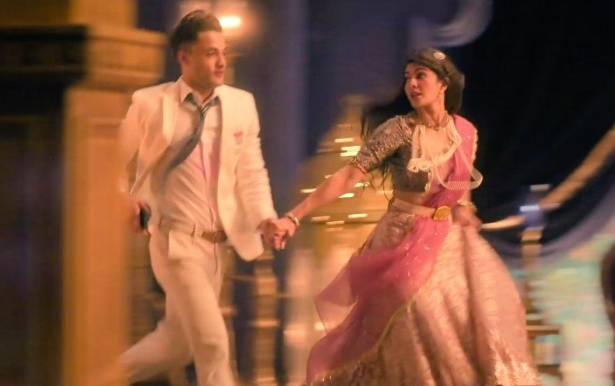 Asim Riaz in Mere Angne Mein Music Video : 1M likes Completed