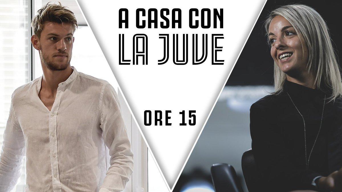 📌 OGGI ALLE 15:00 A CASA CON LA JUVE! 🏠 ⚪⚫  In diretta web @10_Smarti  e @DanieleRugani ospiti di Enrico Zambruno e Claudio Zuliani.    📲 Twittate subito le vostre domande, hashtag #ACasaConLaJuve!  📹 LIVE su http://youtube.com/Juventus e http://tv.juventus.com