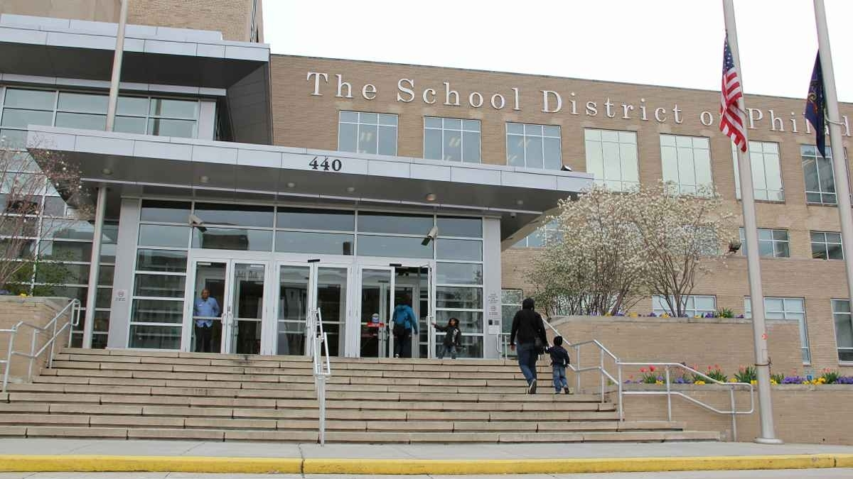 Coronavirus school closures hit Philly families, test city response plan dlvr.it/RRzLYm