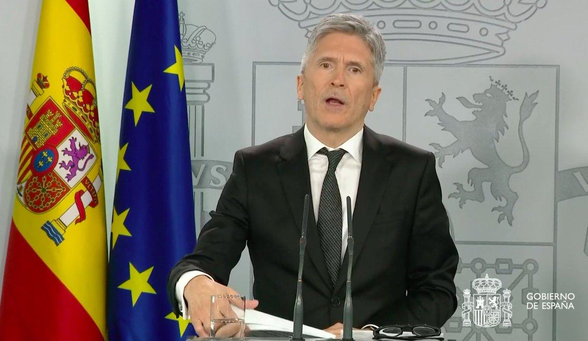 ÚLTIMA HORA El govern espanyol anuncia restriccions a les fronteres espanyoles per evitar la propagació del #coronavirus https://t.co/JP3zFaqjjs https://t.co/dgdwYUUIpW