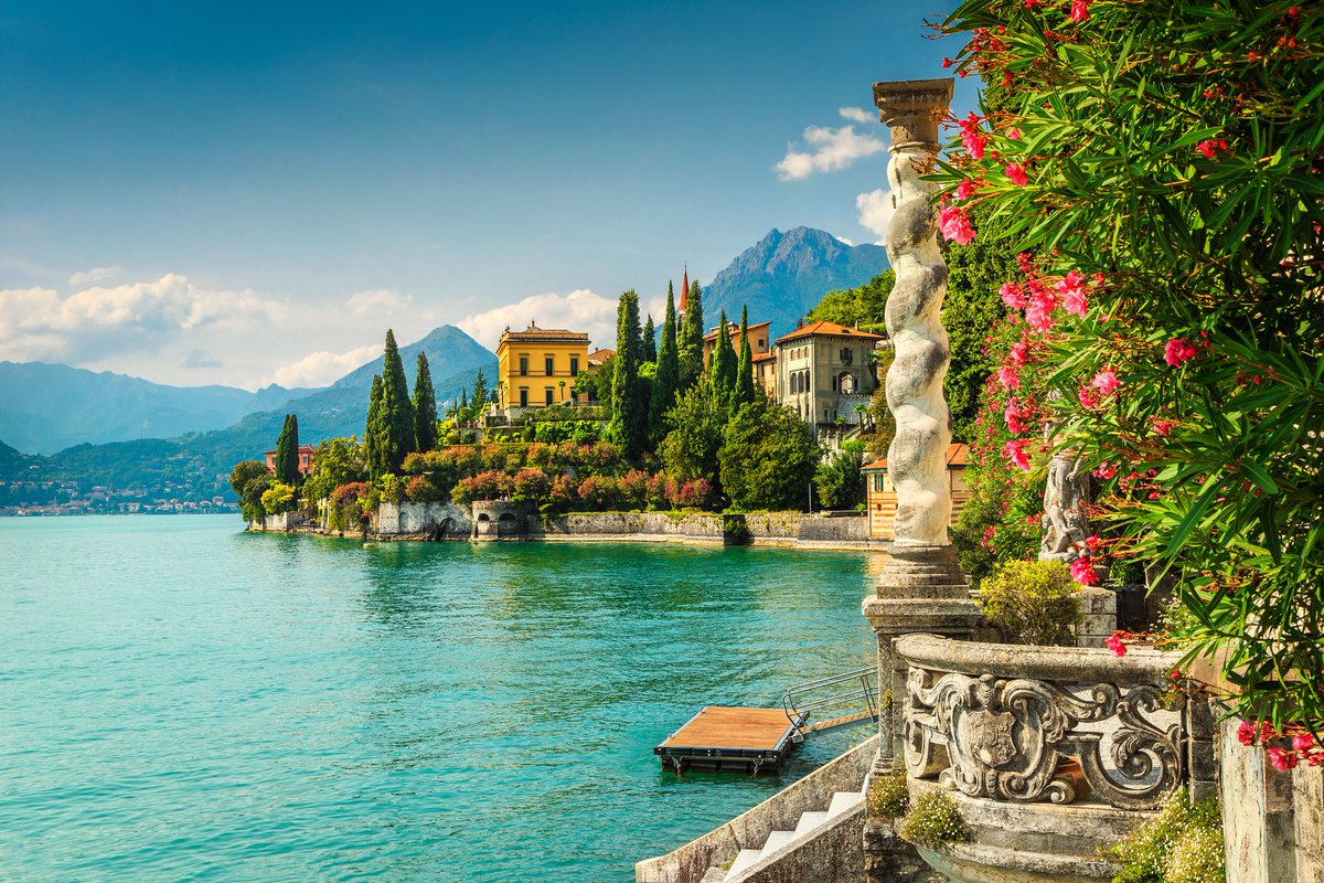 Celebrating your first wedding anniversary?   Check out the top places in Europe to celebrate your first wedding anniversary: http://bit.ly/2Whx1wr #Europe #firstwedding #anniversary #MondayBlogspic.twitter.com/uv6RblgnVk