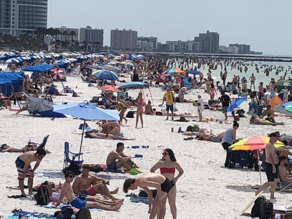 BUSY BEACH! This is what @MyClearwater Beach looks like right now as spring break crowds flock to the sand. #Clearwater leaders haven't decided if they should add a curfew or close beaches but they may vote on measures related to the #coronavirus this Thursday. @abcactionnews https://t.co/jGoxQdYJg5