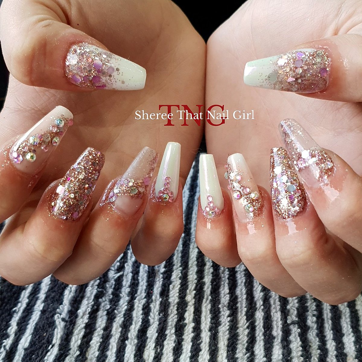 Rose gold   Products from @bluesky_global @blueskyukpro @onelovenailz and #thatnailgirl  #acrylicnails #sculptednails #rosegold #rosegoldnails #glitternails #glitter #coffinnails #thatnailgirlstage2 #thatnailgirlsheree #nailsindoncaster #doncasternails #doncaster #nails #nailpic.twitter.com/MVeXRBkRX4