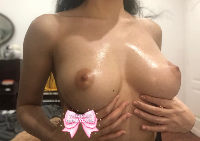 2 pic. some oiled up tiddies https://t.co/ucTumKISja