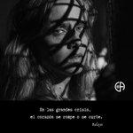 Image for the Tweet beginning: #Corazón #Coraje #Unión #Solidaridad  📸 @sergiolar10 @aura_garrido  #balzac #actriz #actress #teatro #theatre #CentroDelActor