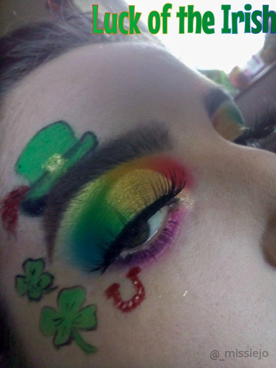 St. Patrick's Day Looks#StPatricksDay #carnivalxlpro pic.twitter.com/RBdyvxTQf0