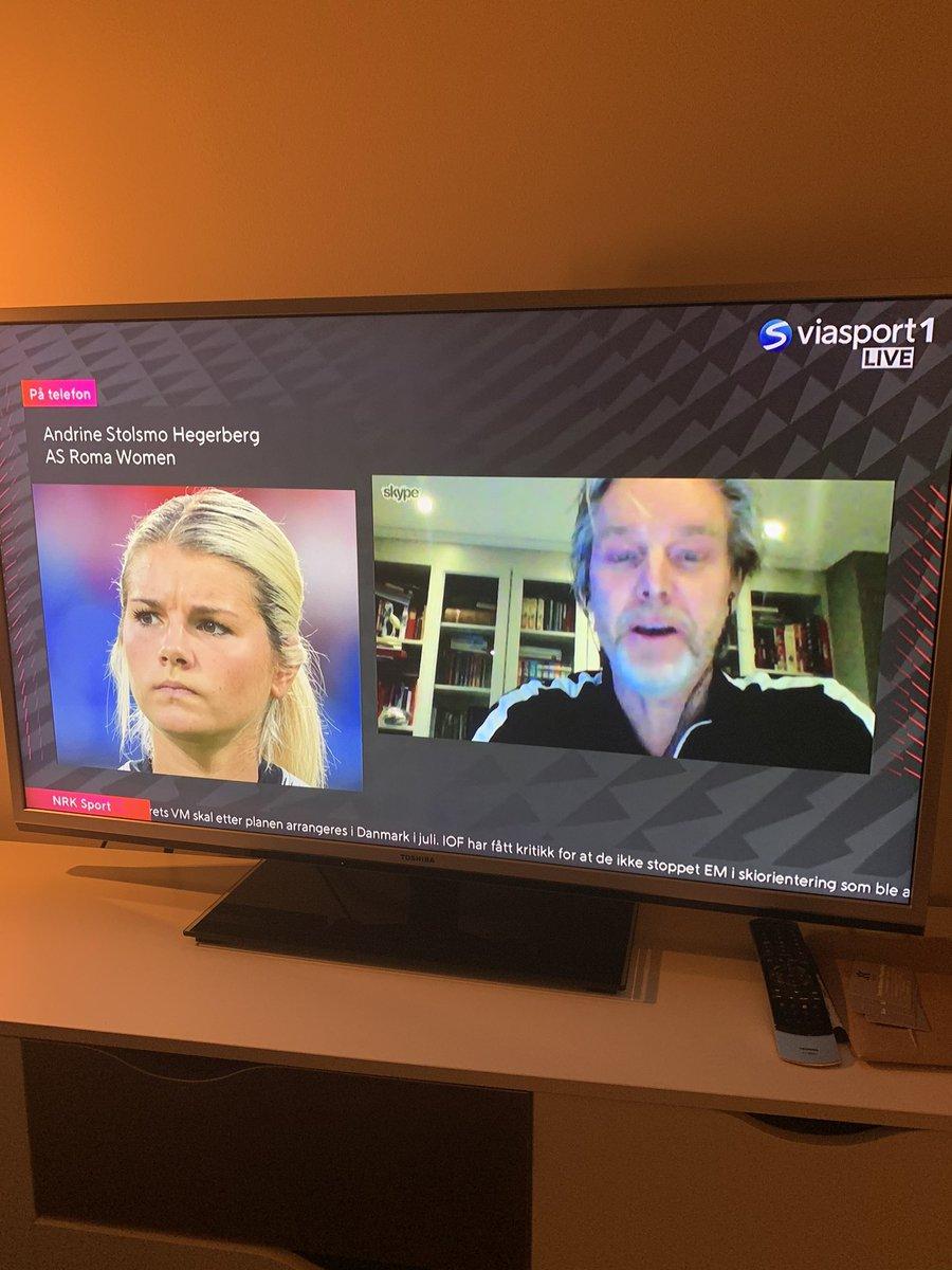 Andrine og Jan Åge gjestet Viasat og benyttet anledningen til å slå et slag for damefotballens kår👏🏻👍😄⚽️⚽️