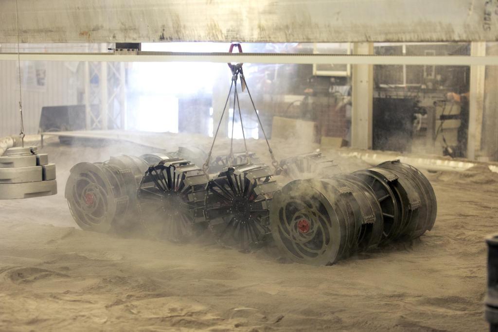 RASSOR - un robot mineur sur la Lune ETVOgaUXkAAb36A?format=jpg&name=medium