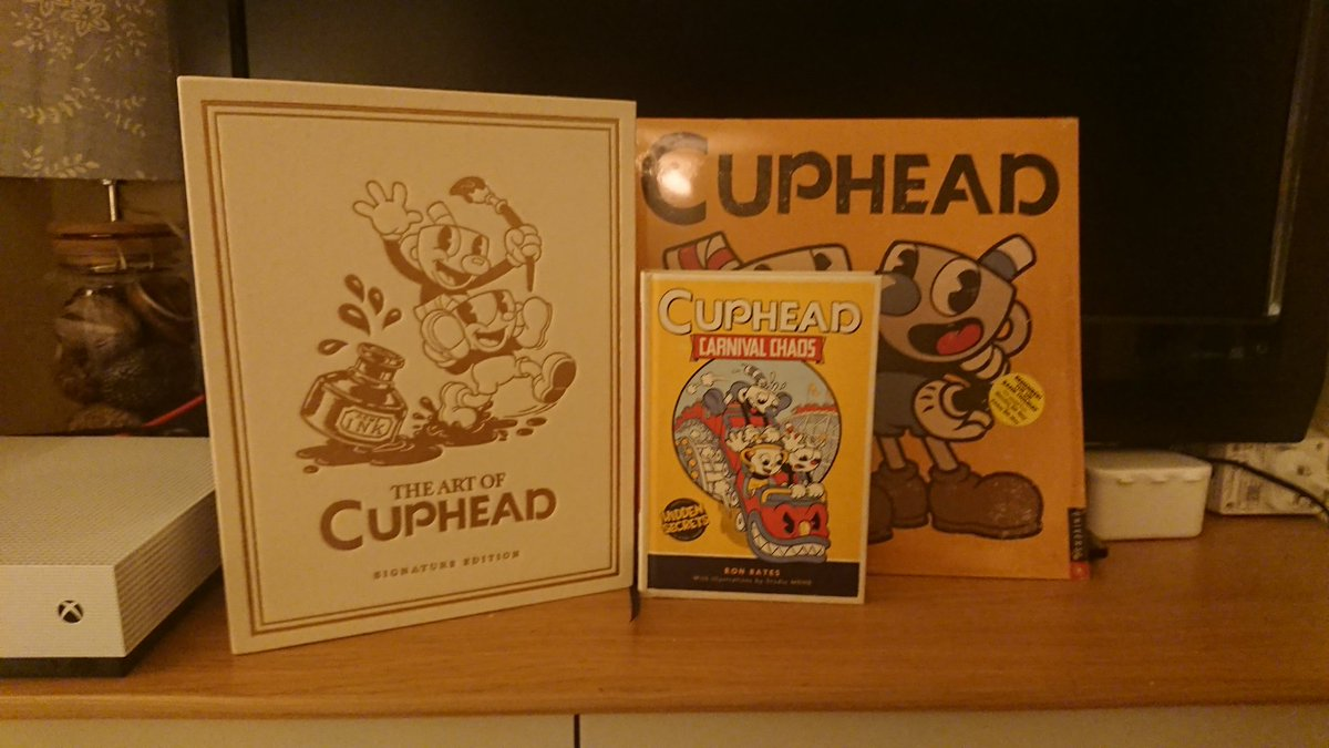 @StudioMDHR @DarkHorseComics Cuphead crazy in this house! The Signature Edition is just gorgeous, and so inspiring! My 4yo son loves 'Cuphead in Carnival Chaos' at bedtime! https://t.co/q9GMrhnBu5