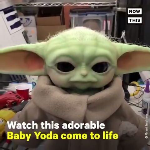 This custom-made Baby Yoda animatronic deserves all the chicky chicky nuggs 😍✨