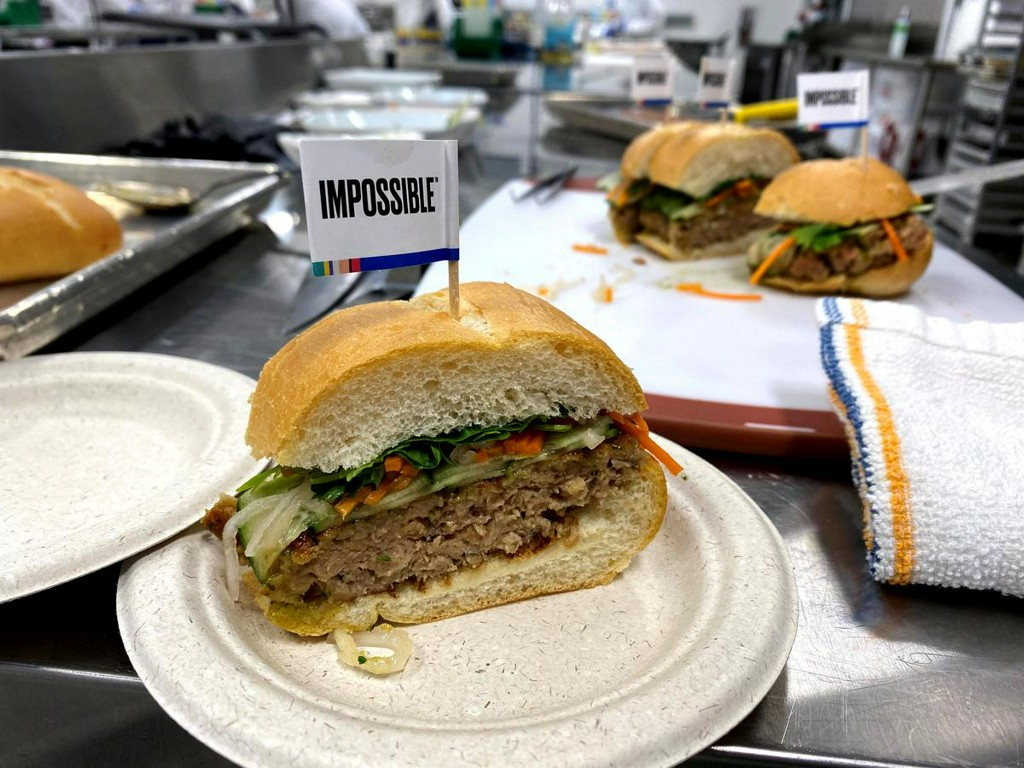 Exclusive: Impossible Foods explores credit line to tackle coronavirus fallout - sources https://www.reuters.com/article/us-impossible-foods-creditline-exclusive-idUSKBN2143SS?taid=5e71531c72e8fa00012c0494&utm_campaign=trueAnthem%3A+Trending+Content&utm_medium=trueAnthem&utm_source=twitter…