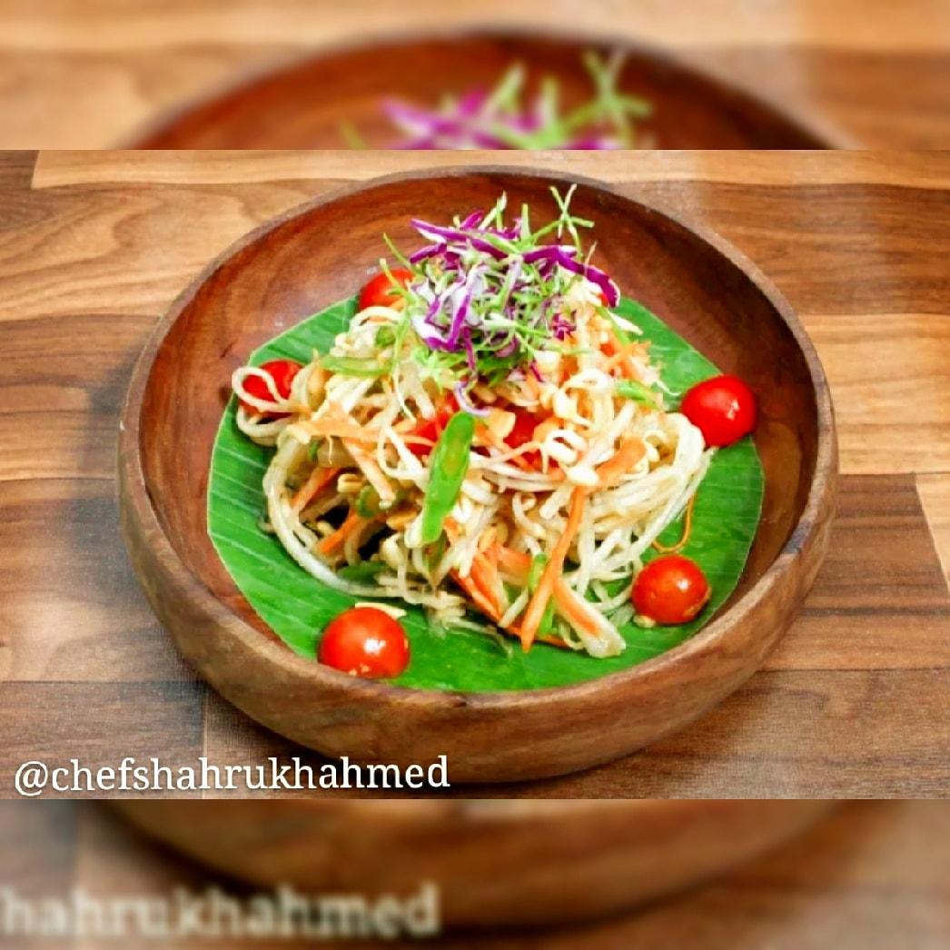 Som tam salad  #chefshahrukhahmed  @Shahrukhahmed84  . . . . #saladanopote #saladejantar #saladadefrutas #saladasaudavel #saladsofinstagram #saladinha #saladeaula #salado #saladrecipe #saladecorada #saladetv #saladlover #saladbuahsegar #saladas #saladbuahpic.twitter.com/Bn4BiK8Pwx