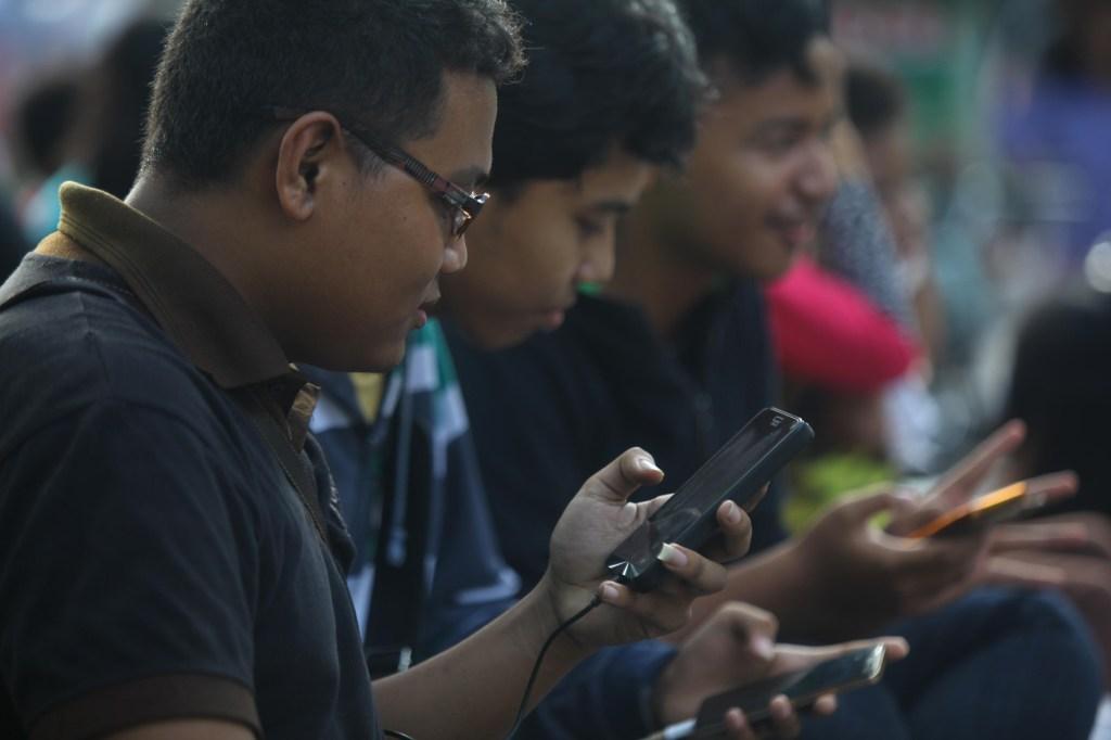WhatsApp unveils $1M grant and info hub to fight coronavirus rumors by @refsrc