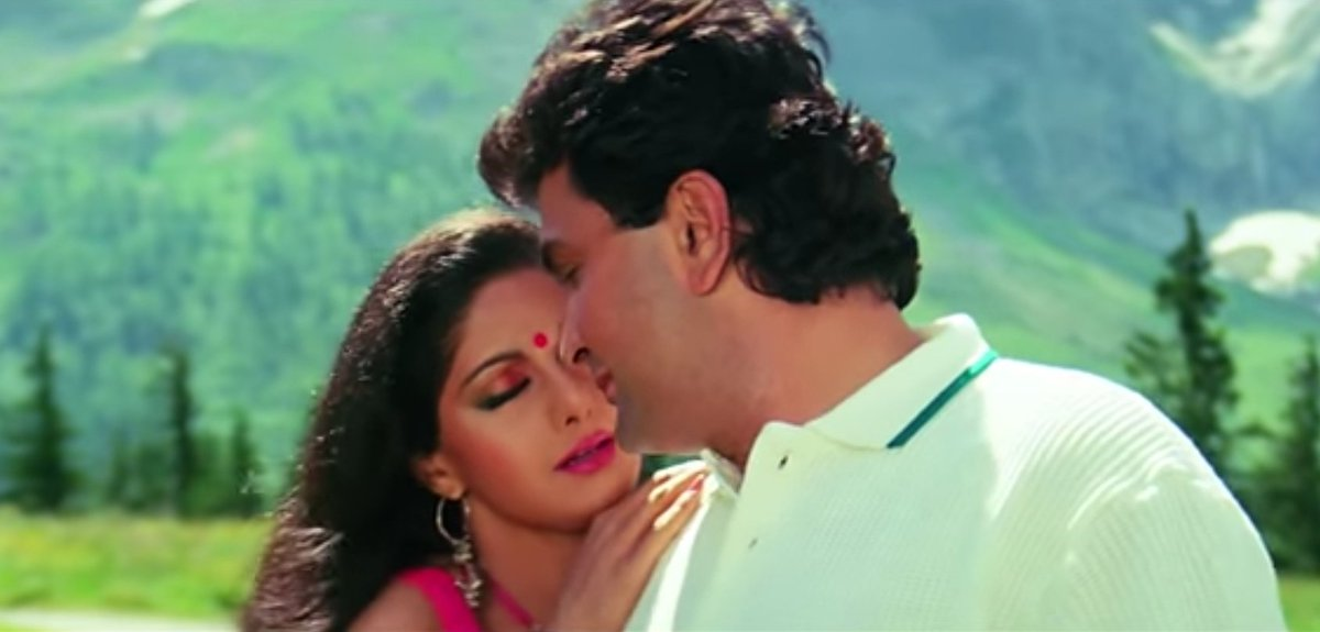 Such a Pure & Organic moment in love shown between the couple here. Also for me, the #Sridevi looked mostest beautiful in this gaan. Can never get enough.   #SrideviLivesForever  #SrideviIsImmortal  #SrideviTheHero  #SrideviForever  #SrideviIsLove