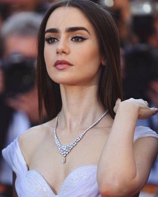 Happy 31st birthday to lily collins <3