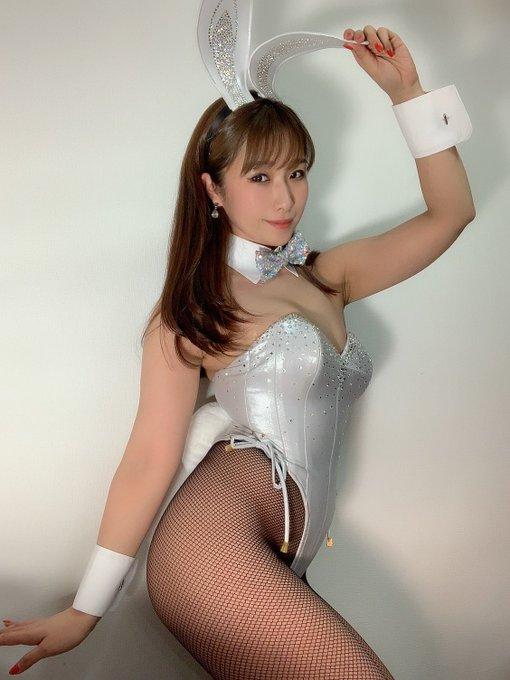 バニーガールの渋谷さんのTwitter自撮りエロ画像32