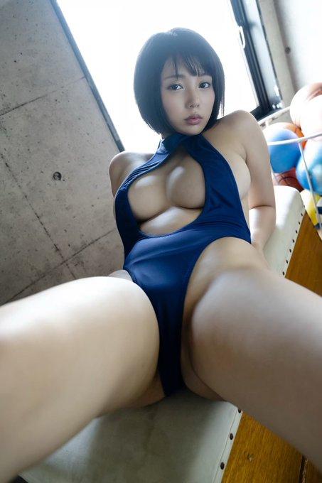 グラビアアイドル安位薫のTwitter自撮りエロ画像35
