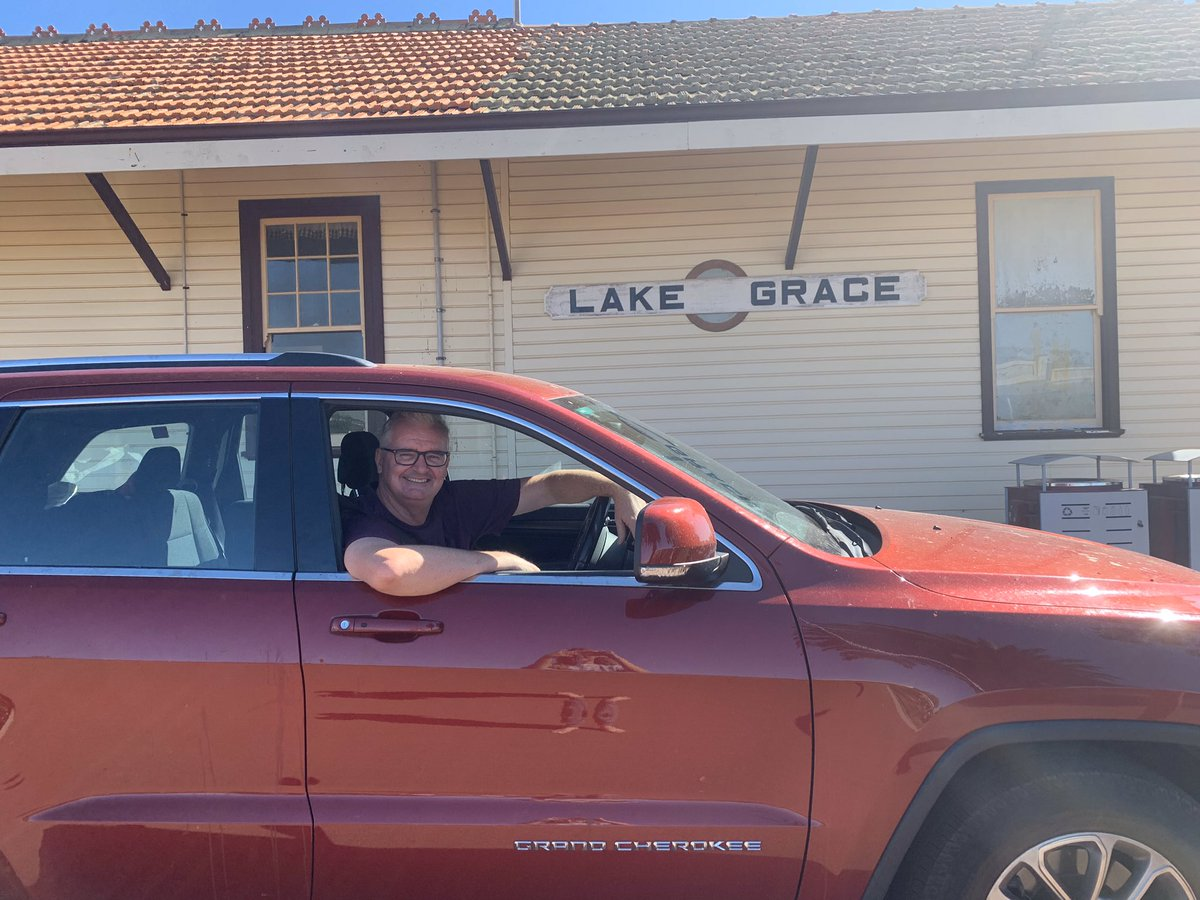 Hey Fyfey @freodockers pop the kettle on ... I'm in your hood. #LakeGrace #Daytrip https://t.co/aNyckHJphR