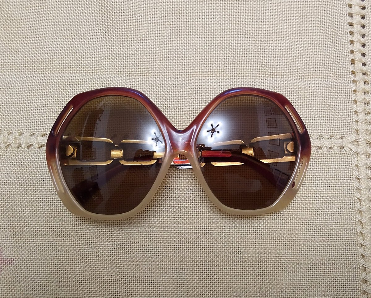 Vintage Oversized Sunglasses, Italian Style from 70's, Sunglasses for Woman, Lady Sunglasses Be quick! #vintagestyle #italianstyle #womanstyle https://www.etsy.com/listing/782832057/vintage-oversized-sunglasses-italian?utm_source=tweeteye&utm_medium=api&utm_campaign=api …pic.twitter.com/WaW8YeISLo