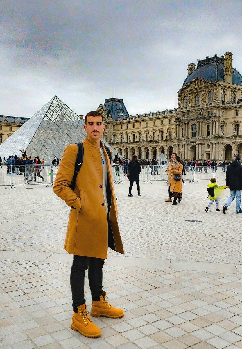 Missing you Parispic.twitter.com/r3g79h8D8c