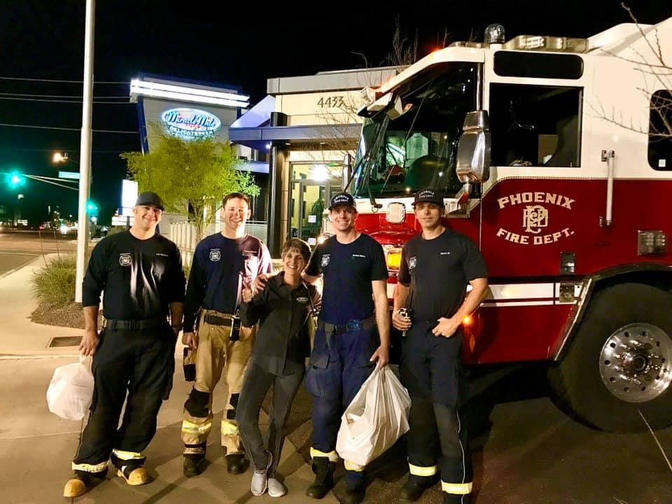 FEEL GOOD STORY: Even while local businesses are hurting, some are still going the extra mile for first responders, the Miracle Mile! #Phoenix based @miraclemiledeli heard firefighters were struggling to find groceries so they fed 4 @PHXFire stations near their #smallbusiness!