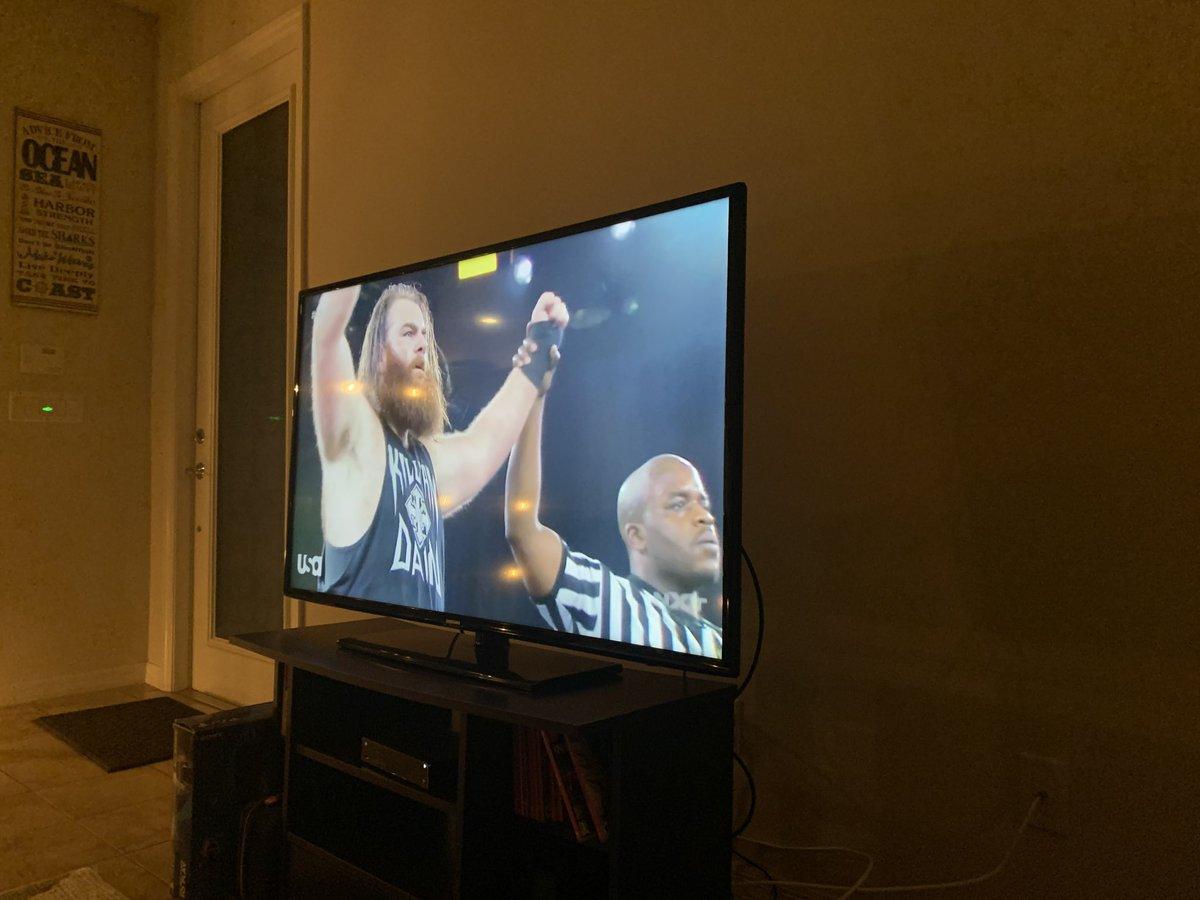 Go baby!!!!!!!!!!  #WWENXT @KillianDain  <br>http://pic.twitter.com/5wqXqnJAXe