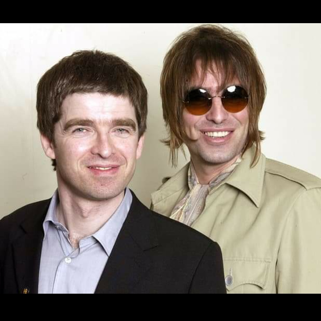 @liamgallagher Brothers ❤️❤️❤️ https://t.co/BYwsWakQeh