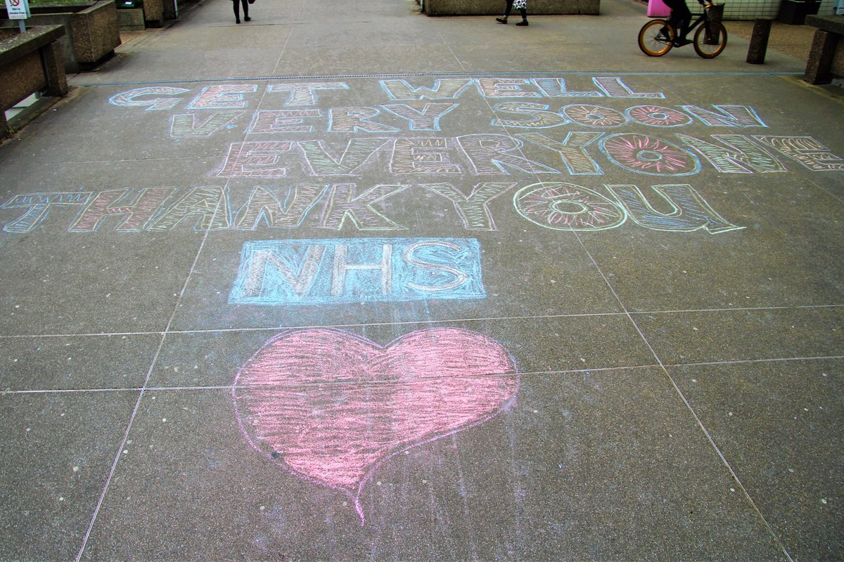 Thank you for this lovely message outside St Thomas' Hospital💙 #NHS #TeamGSTT