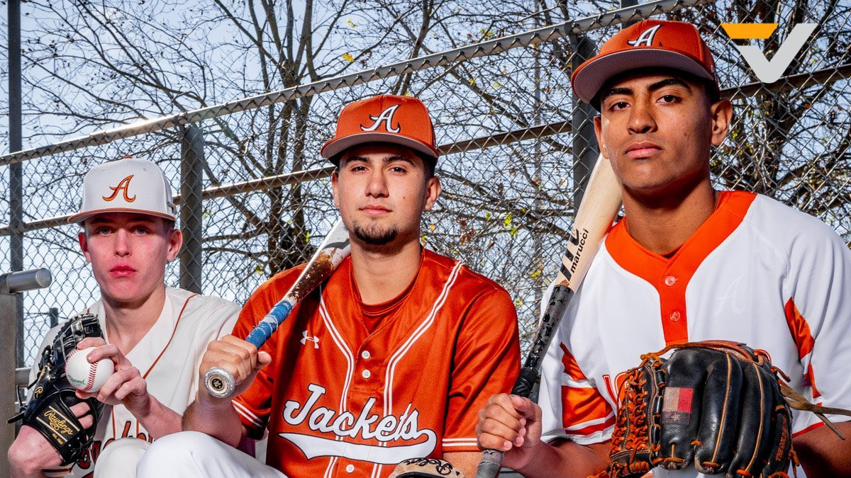VYPE BYTE-@ahsbaseball  While we wait for Baseball to return, take a look back as VYPE caught up with @Erick80267943, @carsonkeithley1, and @Levi22269836. #TXHSBaseball  @RobertGonsoulin, VYPE U Ambassador #VYPEU  VIDEO: http://bit.ly/2UkWBOopic.twitter.com/EA0YD0icKk