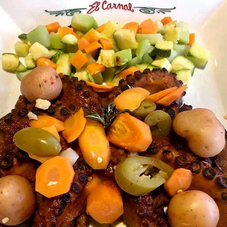 ¿Te gustaría más vivir nuevas experiencias en El Carnal? Descubre nuestros deliciosos platillos. 🐙 #ElCarnalMx #mariscos #natural #comidasana #cdmx #yosoycarnal #elCarnal #FelizMiércoles #hoy18 #cdmx #dóndeComer #pulpo #quérico