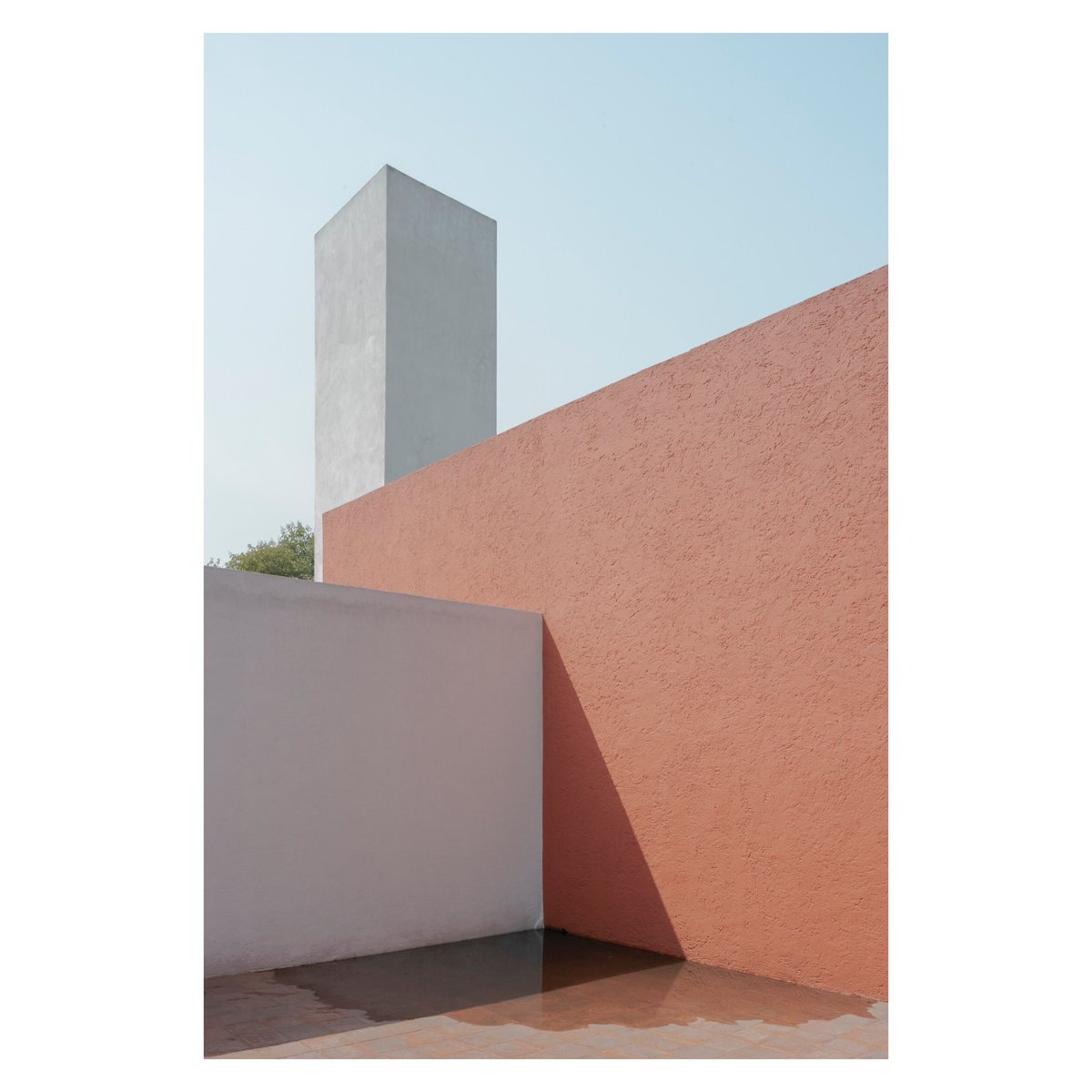 """#Stayhome and let the light come in.""   Casa Estudio Luis Barragàn | 1948 | Mexico City, MX  #LuisBarragàn #CasaEstudioLuisBarragàn #MexicanArchitecture pic.twitter.com/tk2yXPbFcC"