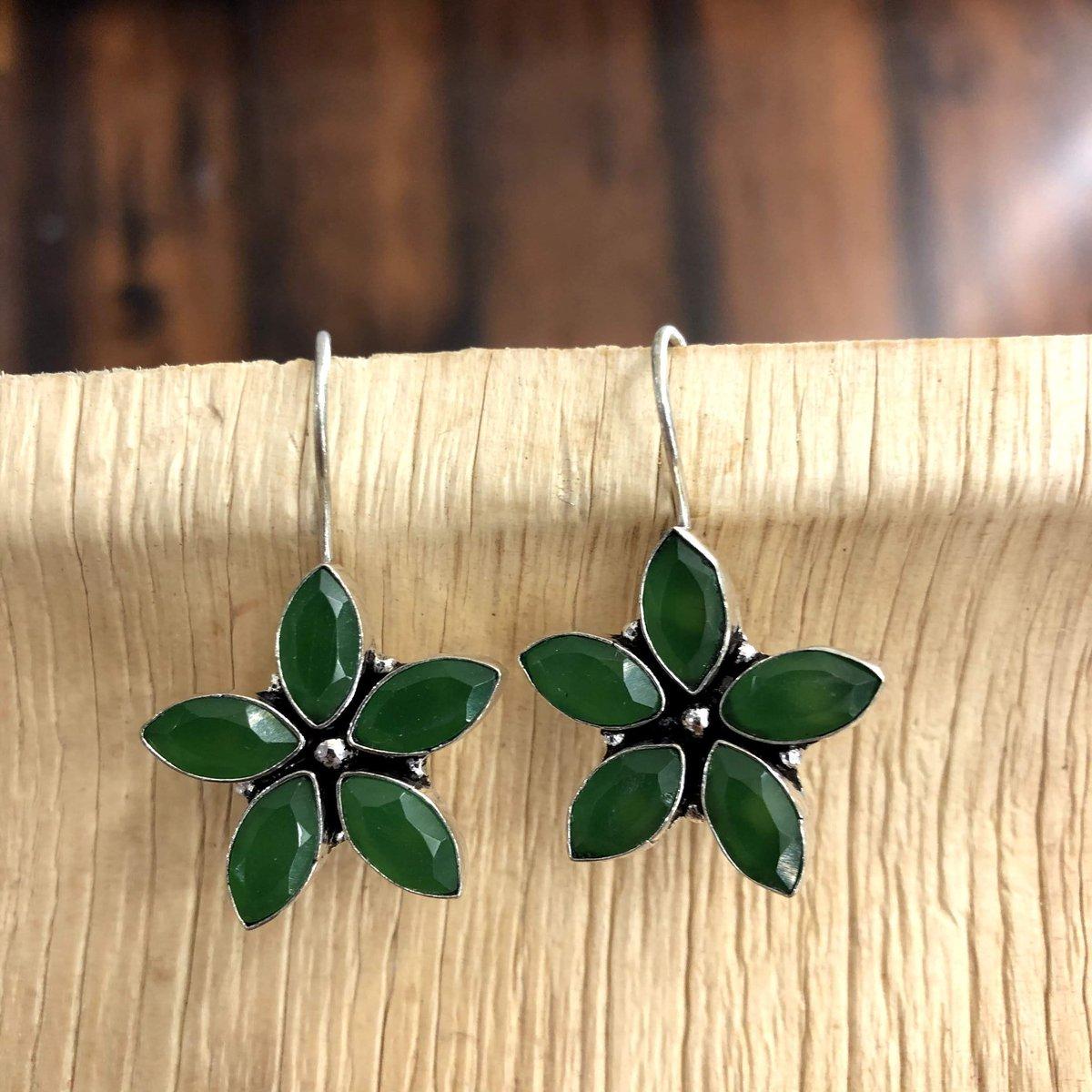 Oxidised Stone Drop Earrings  #fashion #accessories #jewellery #jewelry #oxidised #oxidisedjewellery #oxidisedearrings #stone #earrings #dropearrings #traditional #ethnic #indowestern #ethnicwear #womenswear #fashionjewelry #womensfashion #womensaccessories #womensjewellerypic.twitter.com/rBY8d5l3Kj