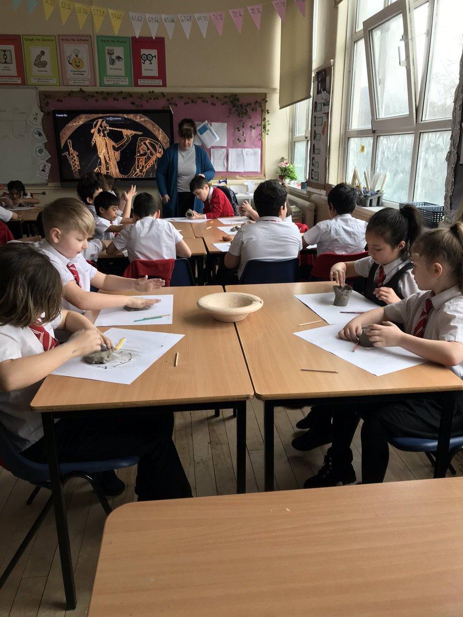 St Joseph's Cathedral School Swansea (@StJosephsCPS) on Twitter photo 19/03/2020 09:35:14